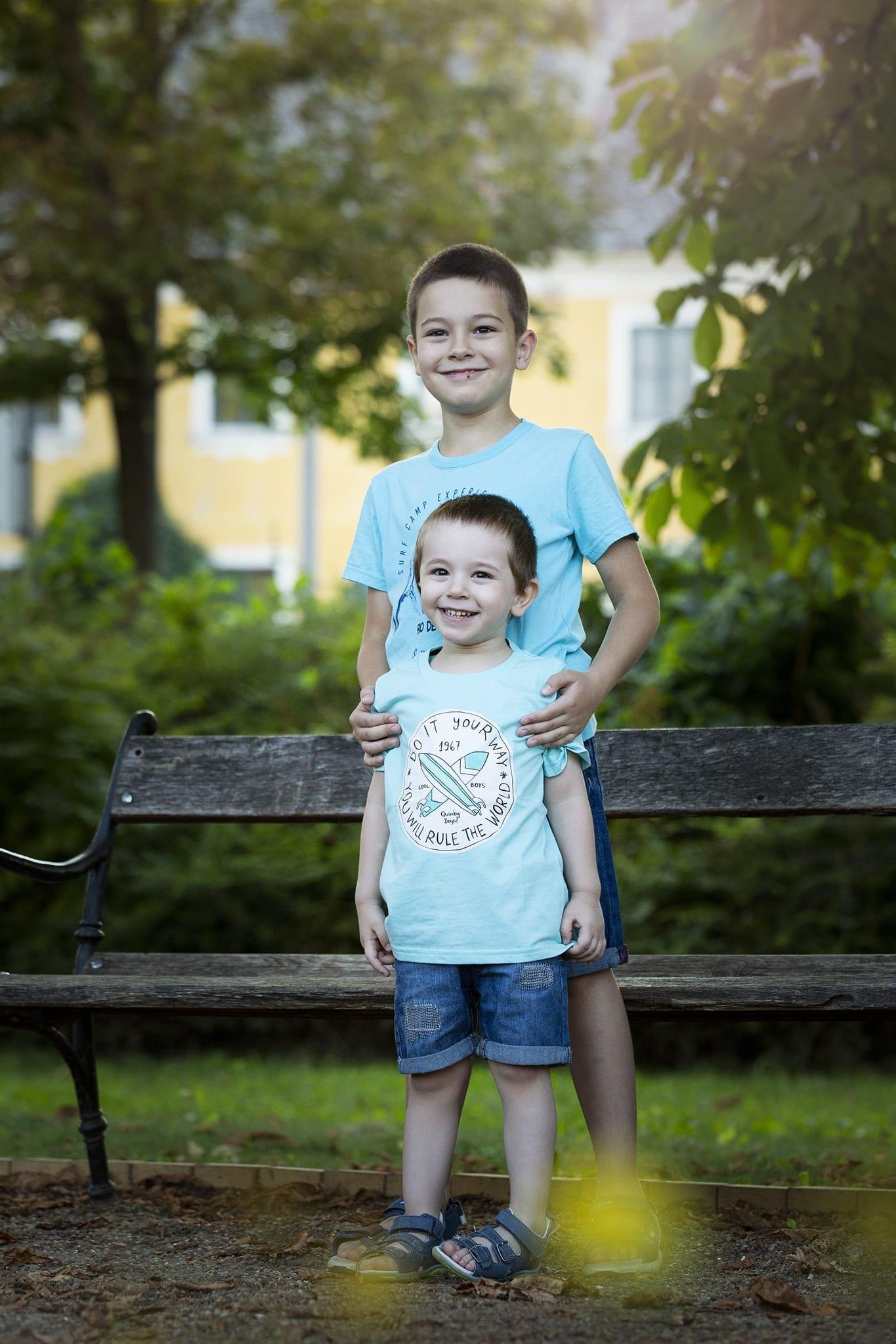 Bajai gyermekfotózás a Déry-kertben 2020 nyáron