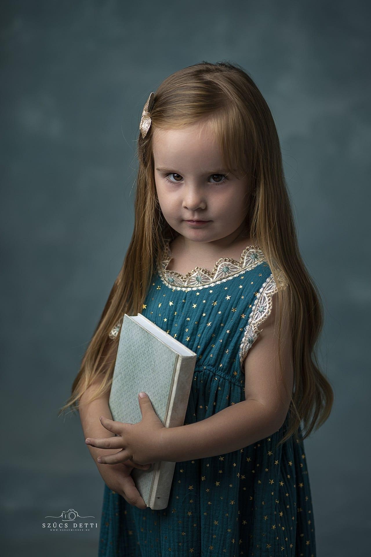 Fine art gyermekfotózás bababarát fotóstúdióban