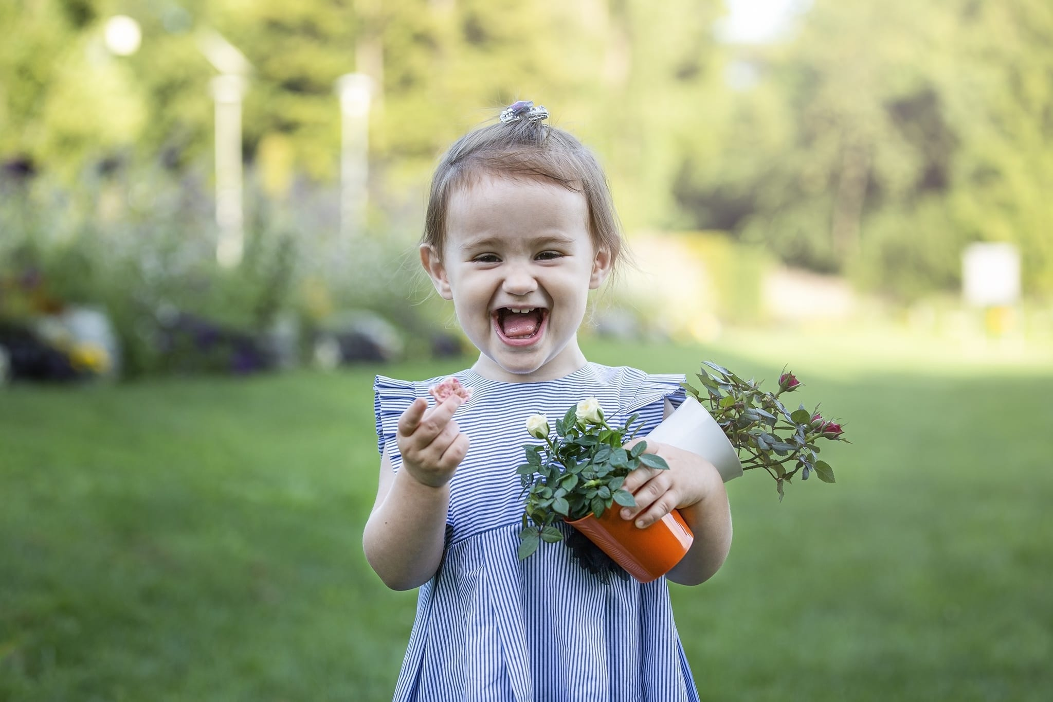 Mosolygós gyermekfotó sorozat budapesten