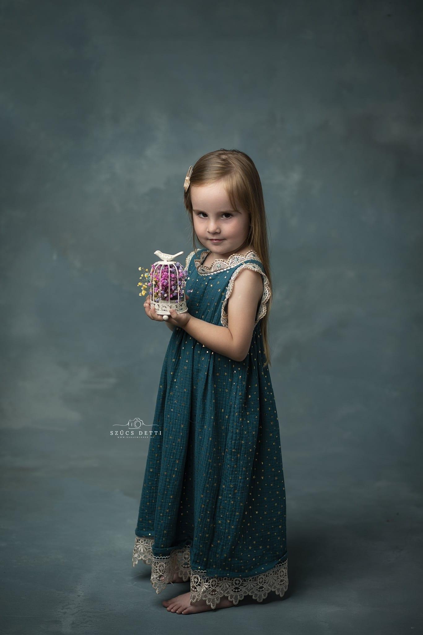 Gyerekportré fotósorozat budapesti műteremben