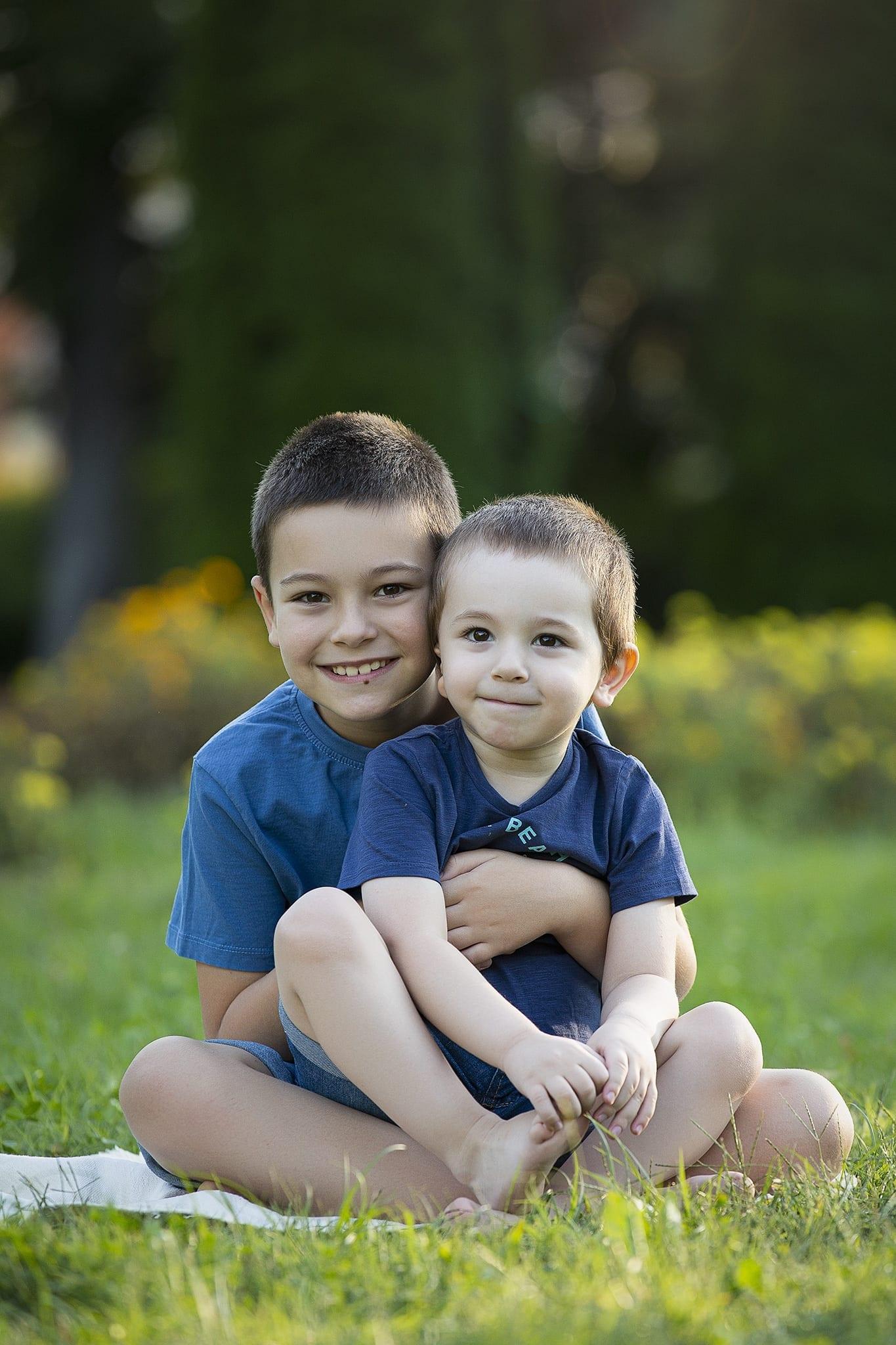 Kreatív nyári gyerek fotózás kültéren