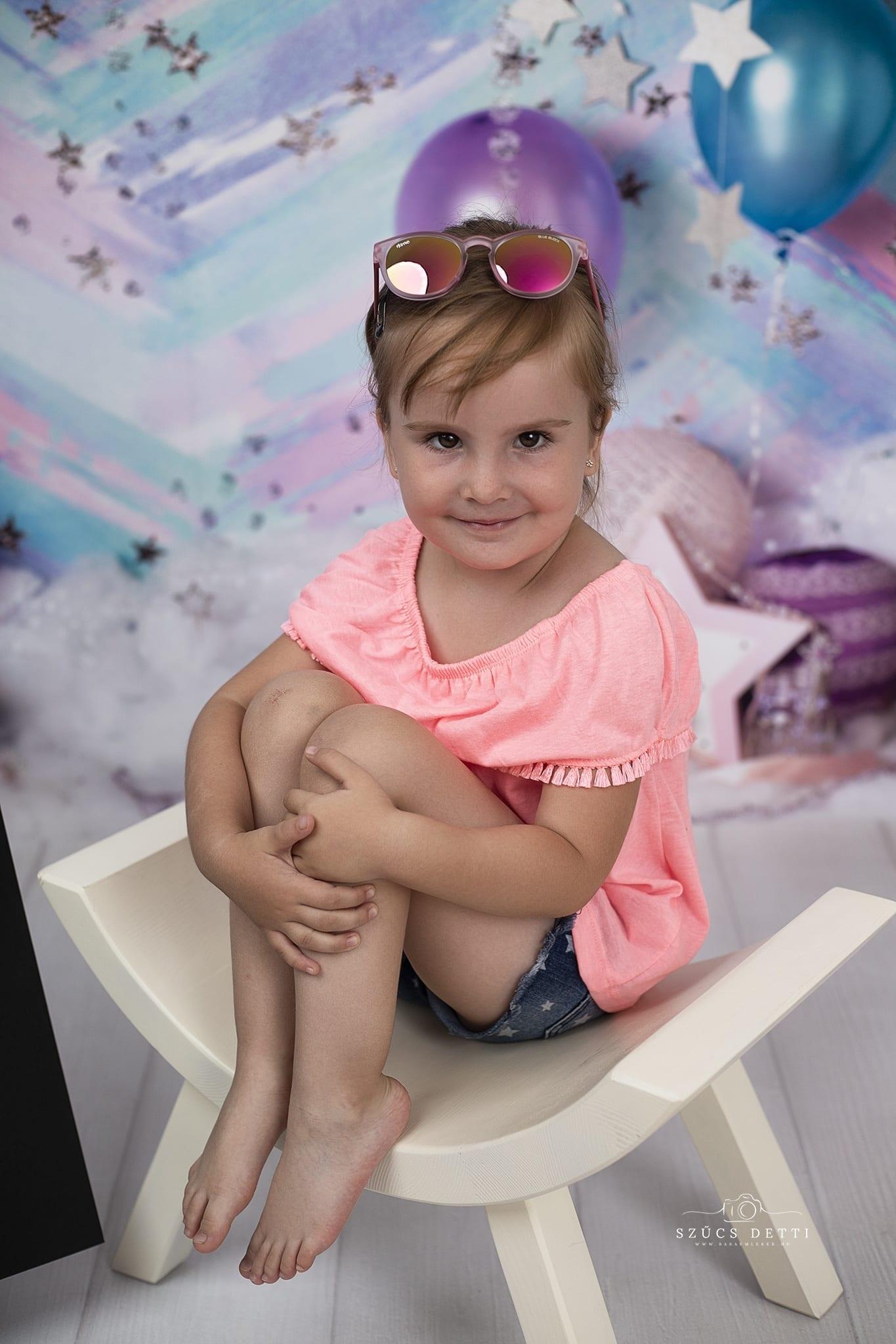 4. születésnapi gyerekfotózás budapesti fotóstúdióban