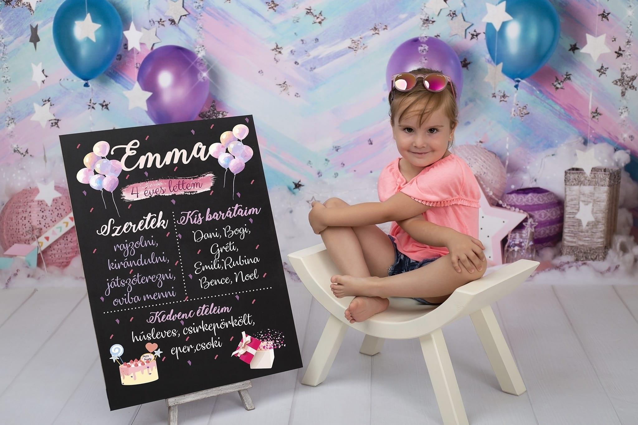 Születésnapi gyermek fotózás kreatív táblával budapesti fotóstúdióban 2020
