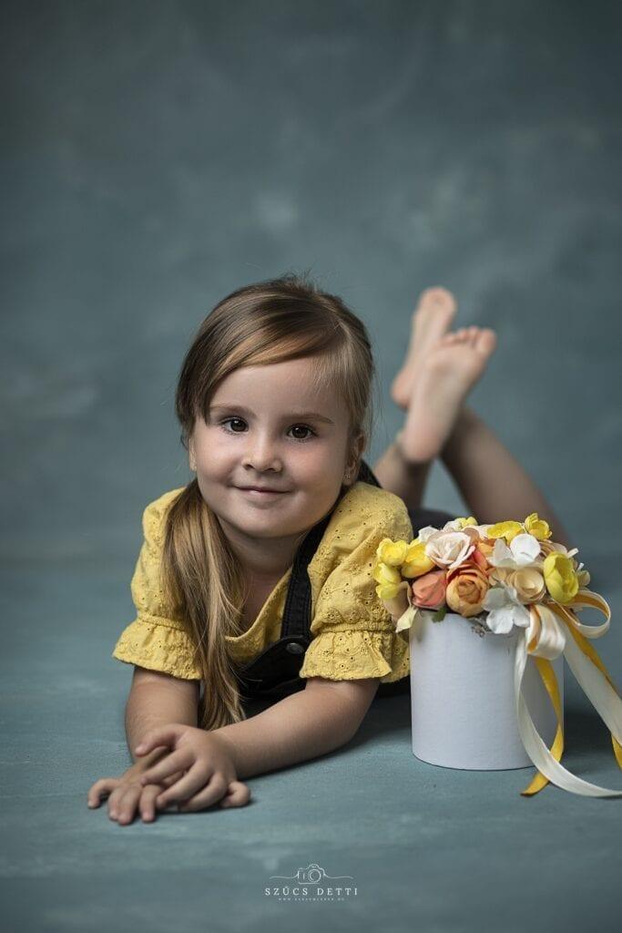 Kreatív Születésnapi Gyermekfotózás Műteremben