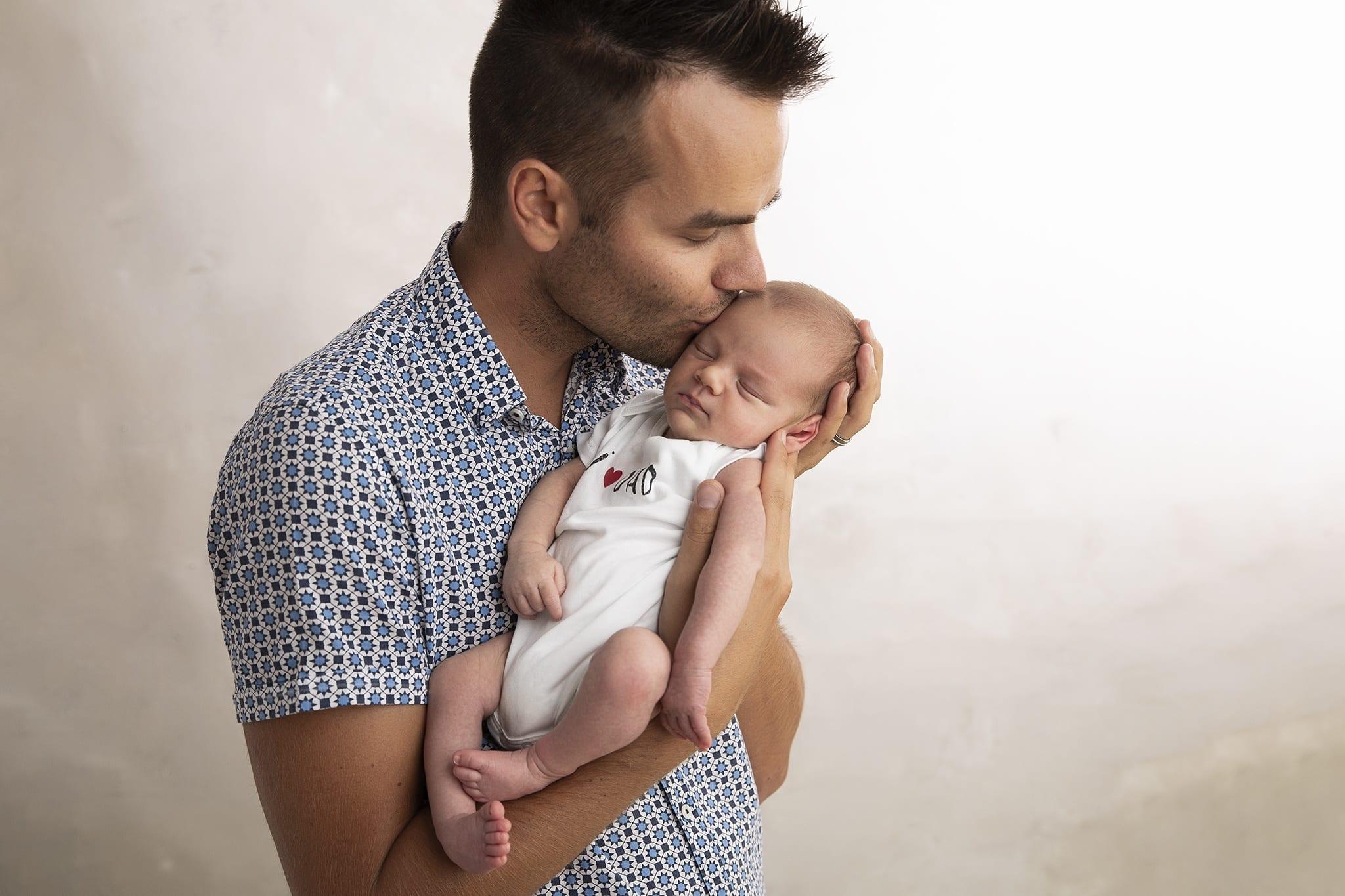 Budapesti újszülöttfotós bababarát fotóstúdióban