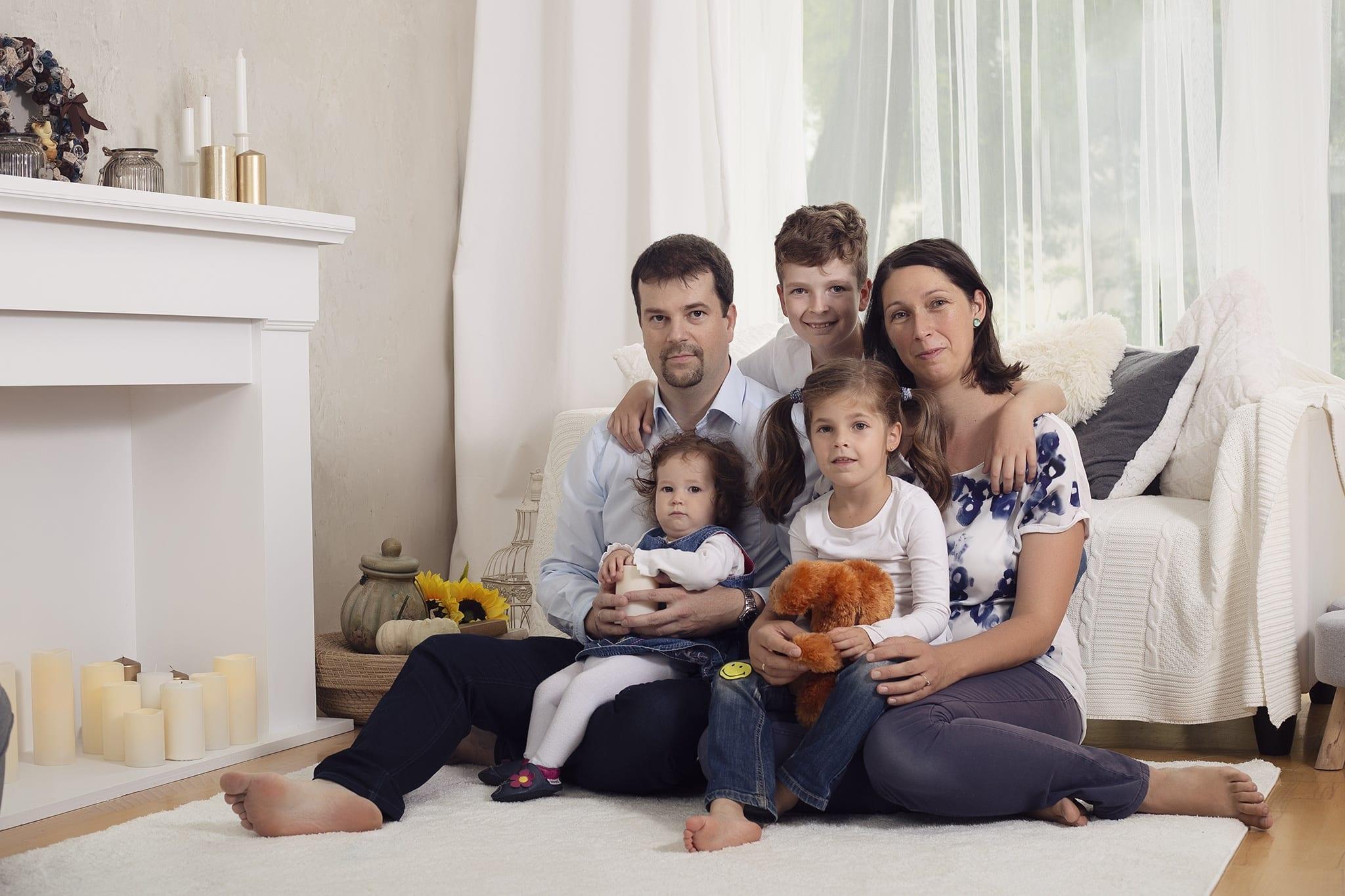 Egy boldog család, családi képek készültek