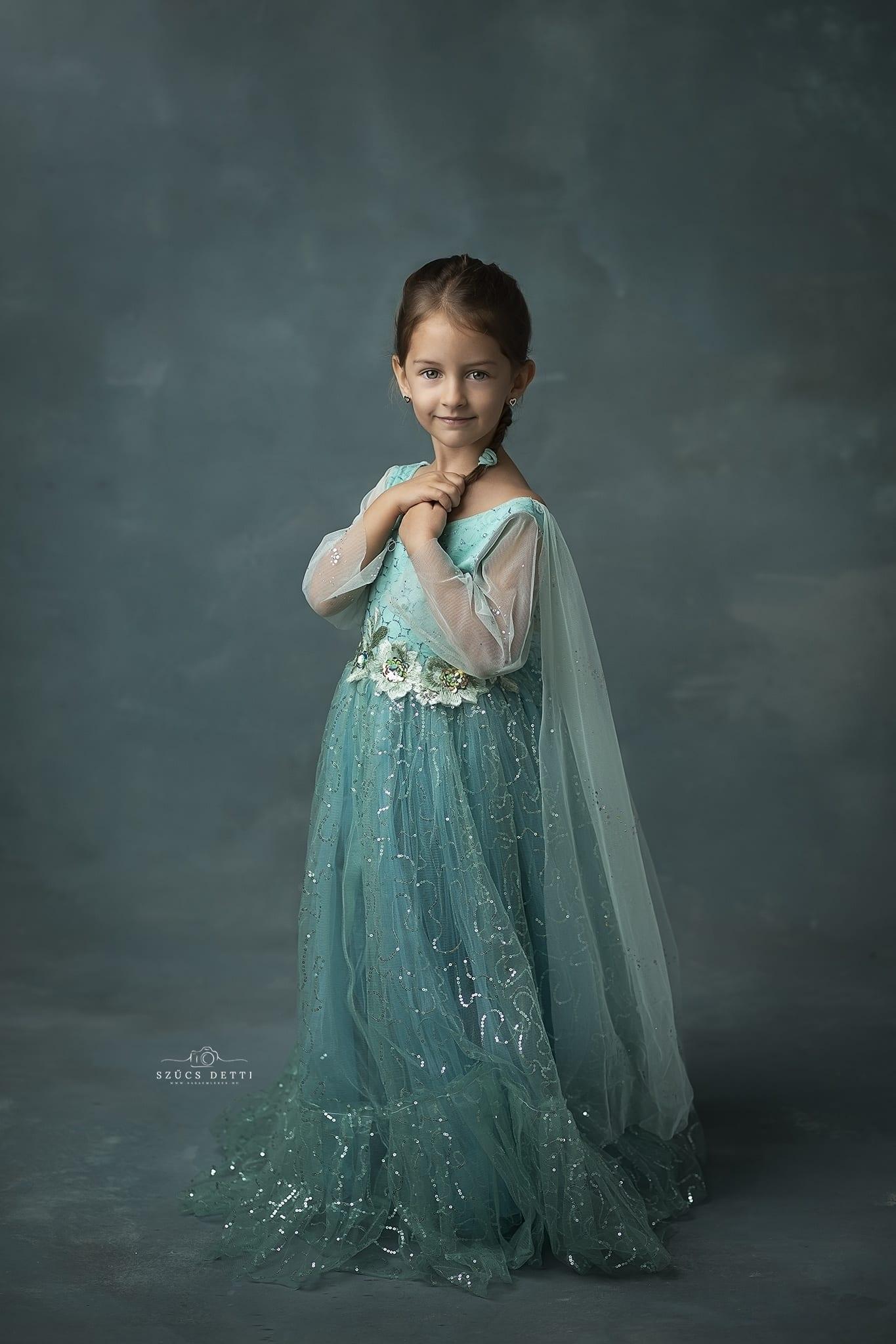 Fine art gyerekfotózás budapesti fotóstúdióban
