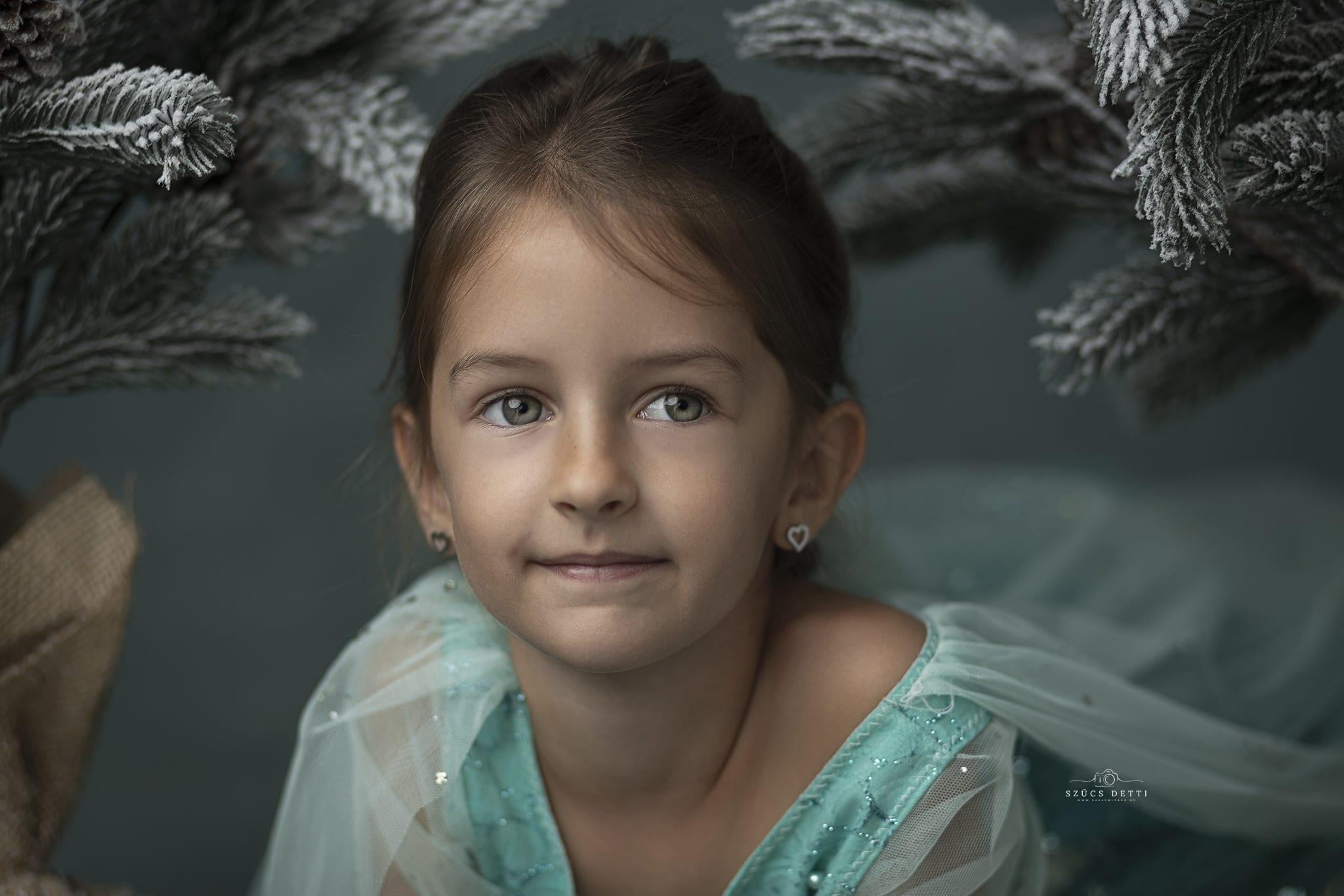 Hercegnős gyerek portré fotó Budapest babaemlekek.hu