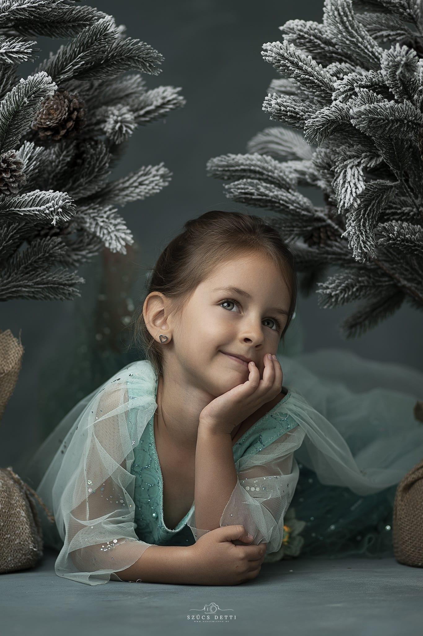 Jégvarázs születésnapi gyerekfotózás babaemlekek.hu beltéri stúdióban