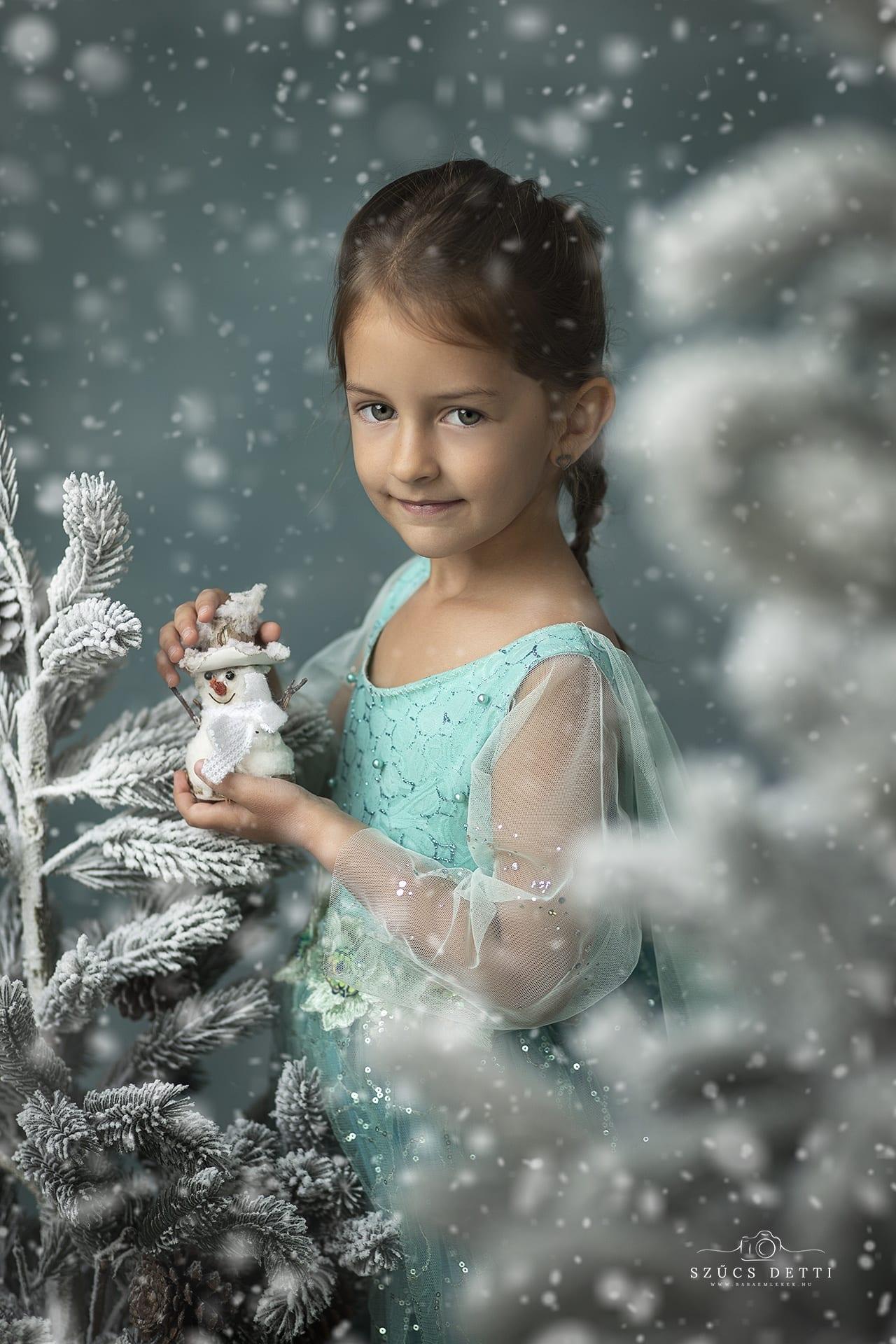 Karácsonyi gyermekfotózás bababarát budapesti fotóstúdióban