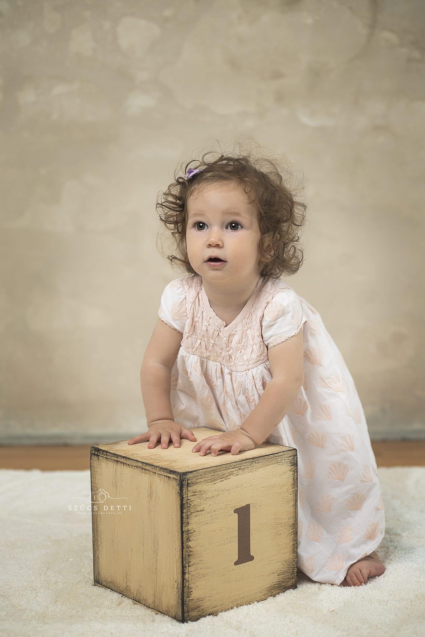 Egy éves születésnapi babafotózás babaemlekek.hu Budapest