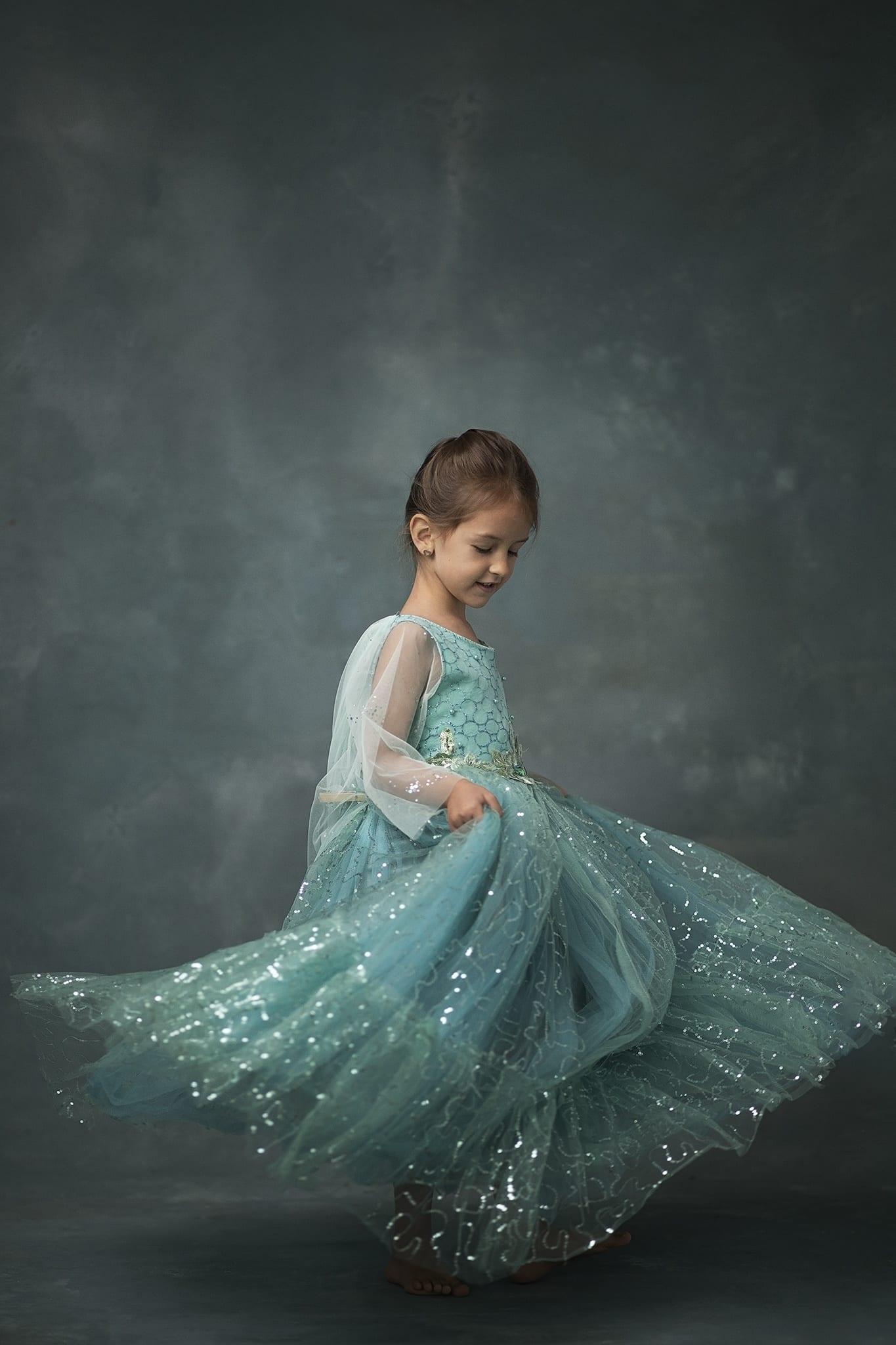 Jégvarázs hercegnős születésnapi gyermekfotózás budapesti műteremben