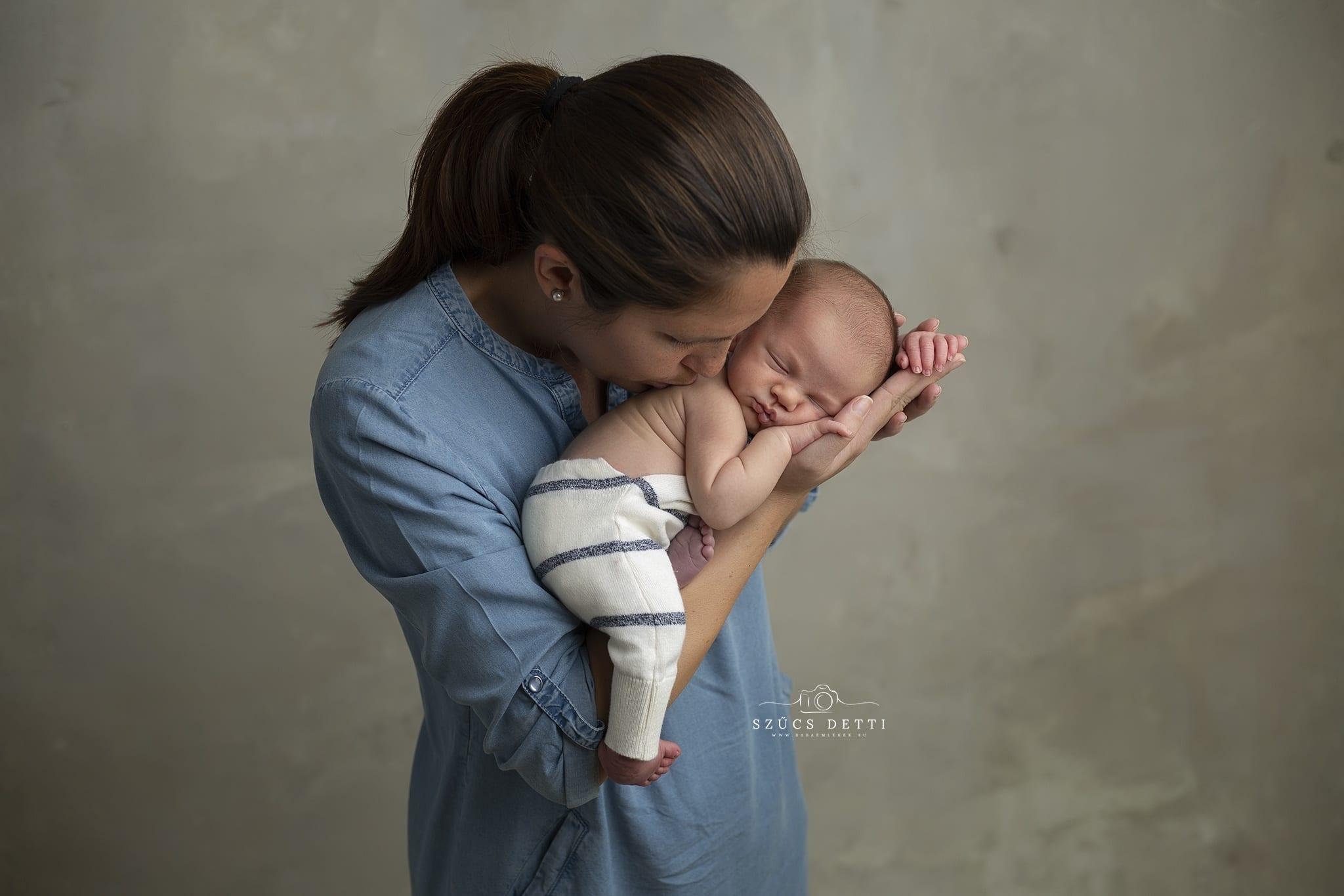 Újszülött fotózás bababarát műteremben Budapesten 2020